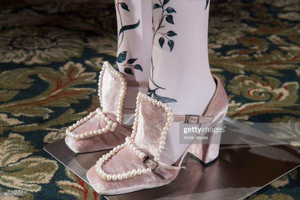 Alena Akhmadullina : Presentation - Paris Fashion Week Womenswear Fall/Winter 2018/2019 : News Photo