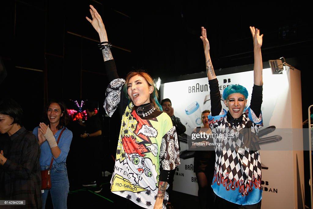 DB Berdan - Backstage - Mercedes-Benz Fashion Week Istanbul - October 2016 : News Photo