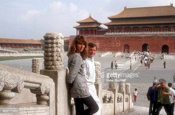 Desiree Nosbusch und Lebensgefährte Georg Bossert am Rande der Dreharbeiten der TVShow Heute abend in Beijing am in Peking China
