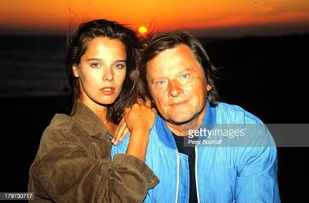 Desiree Nosbusch und Lebensgefährte Georg Bossert Marokko Afrika Tanger Juni 1990 Urlaub Partner Freund privat Sonnenuntergang Moderatorin...
