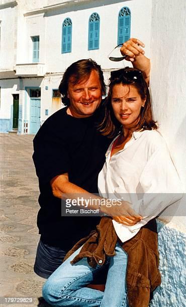 Desiree Nosbusch und Lebensgefährte Georg Bossert Tanger Marokko Afrika Juni 1990 Urlaub privat Partner Freund Moderatorin Schauspieler Promis...