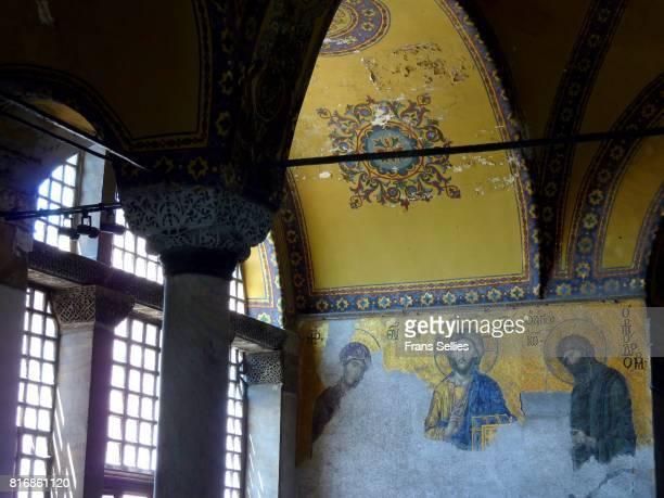 deësis mosaic (christ with the virgin mary and john the baptist), hagia sophia, istanbul - frans sellies stockfoto's en -beelden