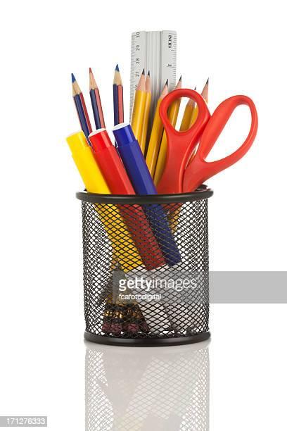 デスクオーガナイザー充填、いくつかの学校用品を白背景
