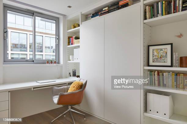 Desk space. Portman Square Apartment, London, United Kingdom. Architect: Chua Group, 2019.