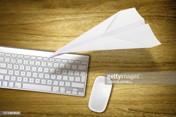 desktop paper plane - send stock pictures, royalty-free photos & images