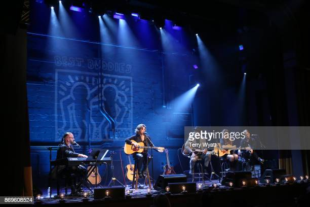 Desmond ChildAmy GrantKeb' Mo' Victoria Venier and Tabitha Fair perform during 'Best Buddies Unplugged' at Franklin Theatre on November 2 2017 in...