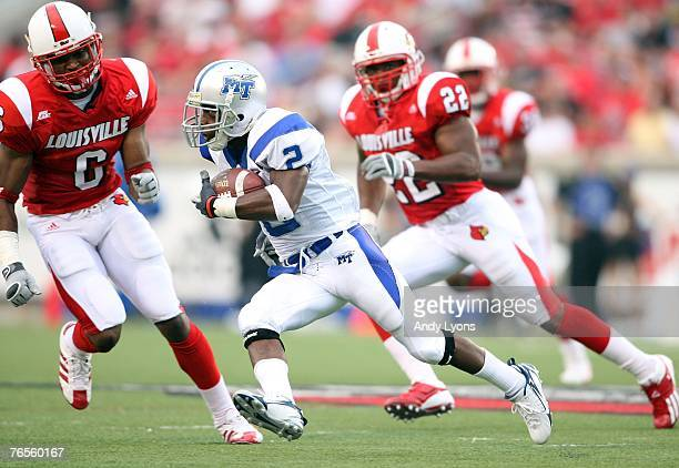 Desmond Gee of Middle Tennessee runs with the ball against Louisville during the game on September 6 2007 at Papa John's Cardinal Stadium in...