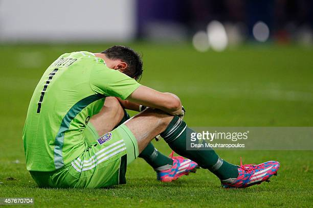 Despair for Silvio Proto of Anderlecht during the UEFA Champions League Group D match between RSC Anderlecht and Arsenal at Constant Vanden Stock...