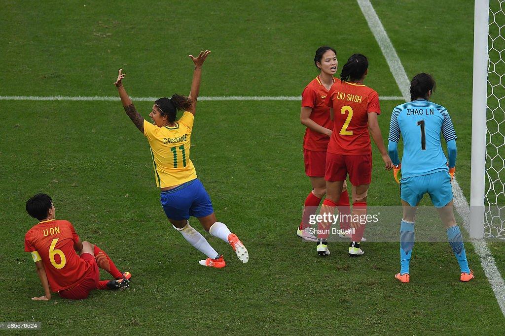 Brazil v China PR: Women's Football - Olympics: Day -2 : News Photo