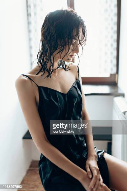 despaired anorexic young woman at the toilet - anorexia nervosa imagens e fotografias de stock