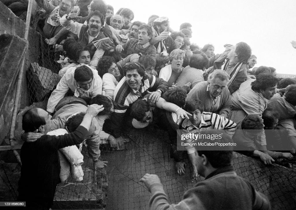 Heysel Stadium Disaster - European Cup Final : News Photo