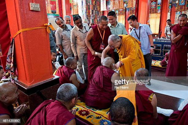 SETTLEMENT MUNDGOD KARNATAKA INDIA Despite tight security His Holiness the Dalai Lama insists on seeing as many of the crowd as possible often...