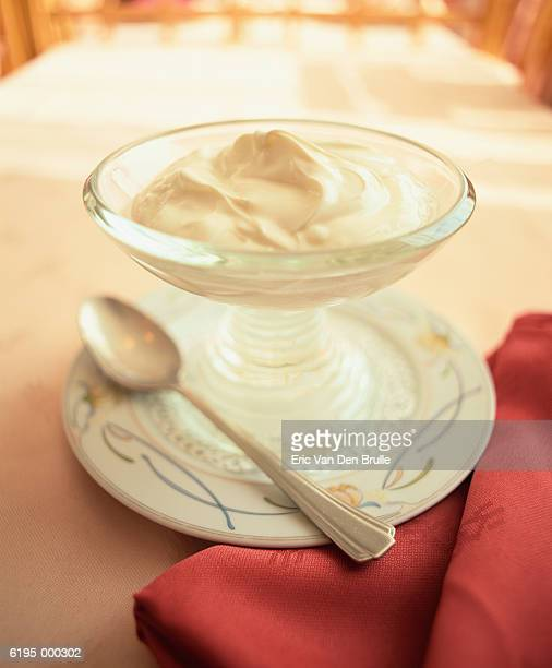 dessert and napkin - eric van den brulle stock pictures, royalty-free photos & images