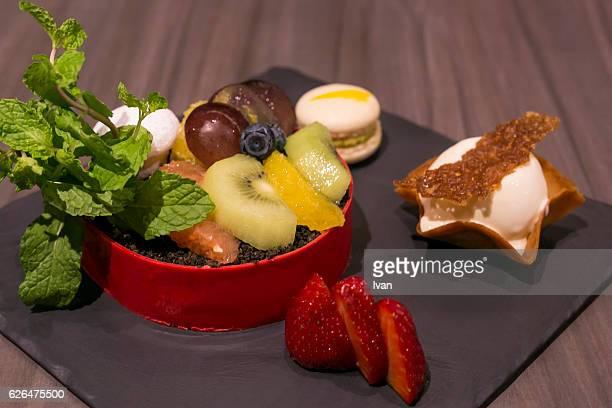 Dessert Set - Crispy Cookie with Vanilla Ice cream and Caramel,  Oreo Fruit Tart, Macaroon and Strawberry