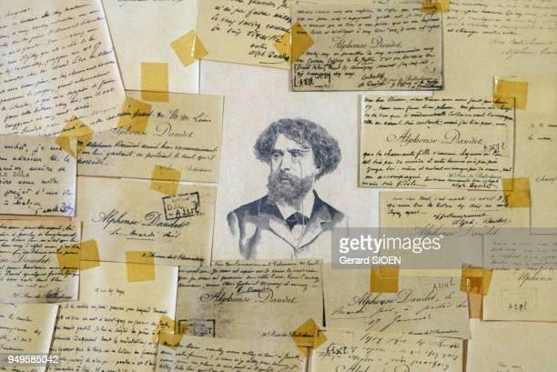 Dessin et manuscrits de l'écrivain au musée Alphonse Daudet au Mas de la Vignasse à Auriolles France