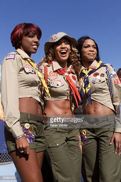 Destiny's Child arrives at Nickelodeon's 14th Annual Kids' Choice Awards at Barker Hanger in Los Angeles Saturday April 21 2001 Photo by Kevin...