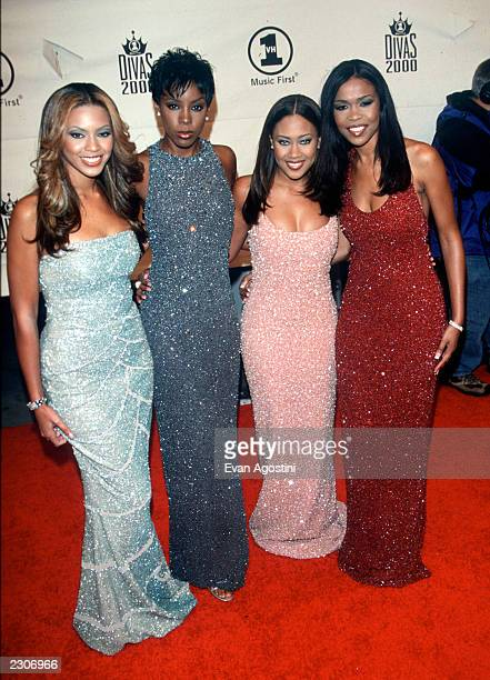 Destiny's Child Beyonce Kelly Farah Michelle all wearing Randolph Duke at 'VH1 Divas 2000 A Tribute To Diana Ross' at Madison Square Garden New York...