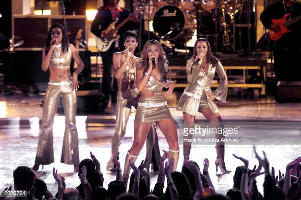 Destiny's Child on stage during the VH1 Divas 2000 A Tribute to Diana Ross at the Theater at Madison Square Garden in New York