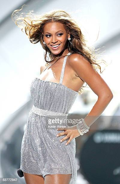 Destiny's Child singer Beyonce Knowles performs onstage at the 2005 World Music Awards at the Kodak Theatre on August 31, 2005 in Hollywood,...