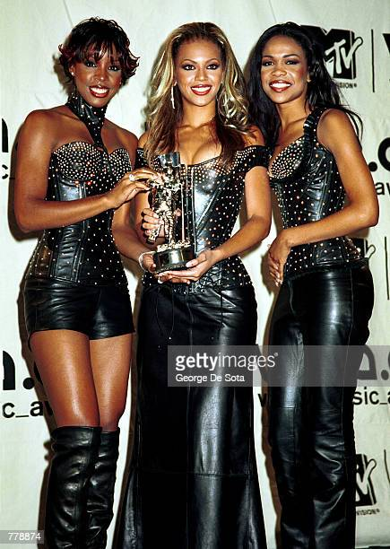 Destiny's Child win the MTV Award for Best R & B Video September 7, 2000 at the MTV Awards at Radio City Music Hall in New York City.