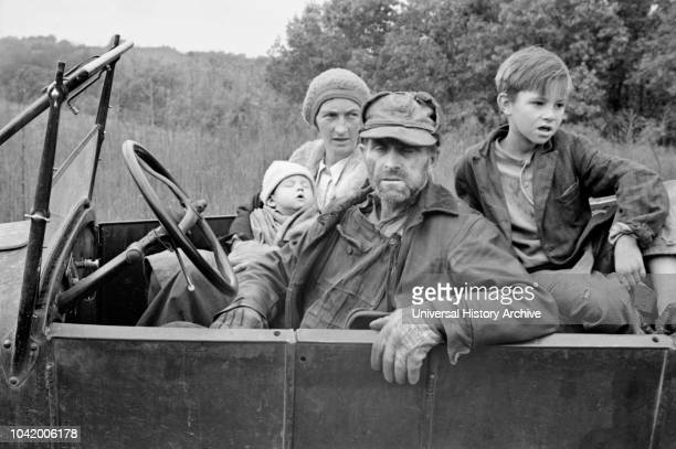 Destitute Family, Ozark Mountains, Arkansas, USA, Ben Shahn for US Resettlement Administration, October 1935.
