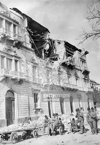 Destroyed building that housed the Consulates of Chile and Mexico after the earthquake in Messina