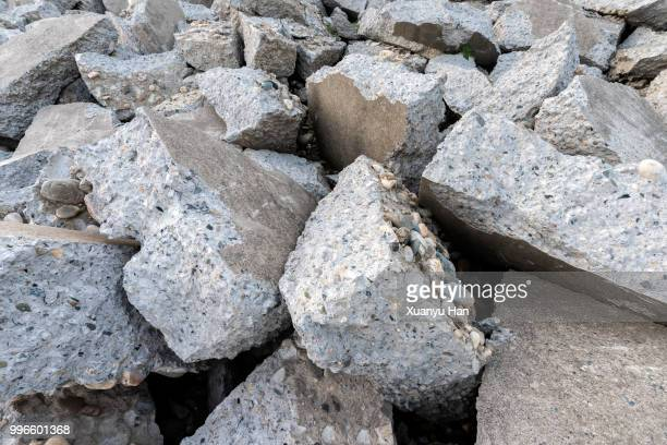 destroyed concrete blocks. full frame, close-up - collapsing stock pictures, royalty-free photos & images