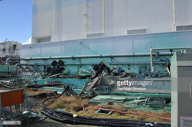 A destroyed turbine building of the No4 reactor of the Tokyo Electric Power Co's Fukushima Daiichi Nuclear Power Plant on November 12 2011 in Okuma...