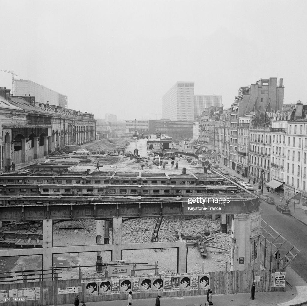 Destruction De L Ancienne Gare Montparnasse Avec A L Arriere Plan La News Photo Getty Images
