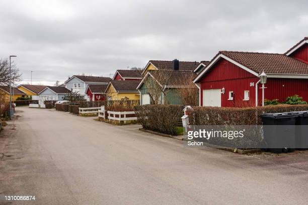 detached villas in a residential area in a swedish city - vaxjo stock pictures, royalty-free photos & images