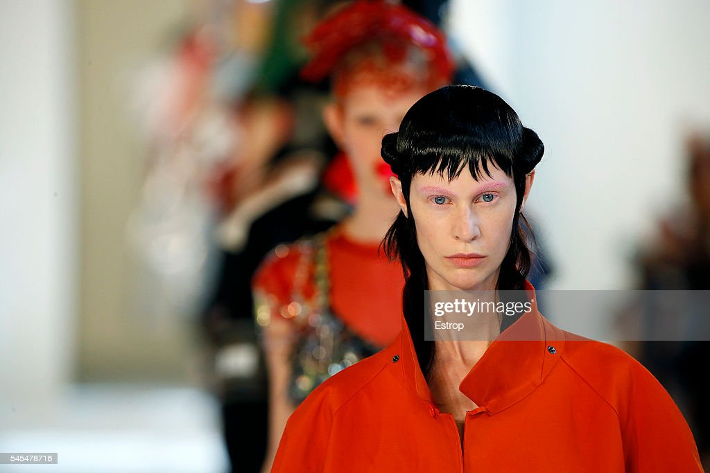 Maison Margiela : Details - Paris Fashion Week - Haute Couture Fall/Winter 2016-2017 : News Photo