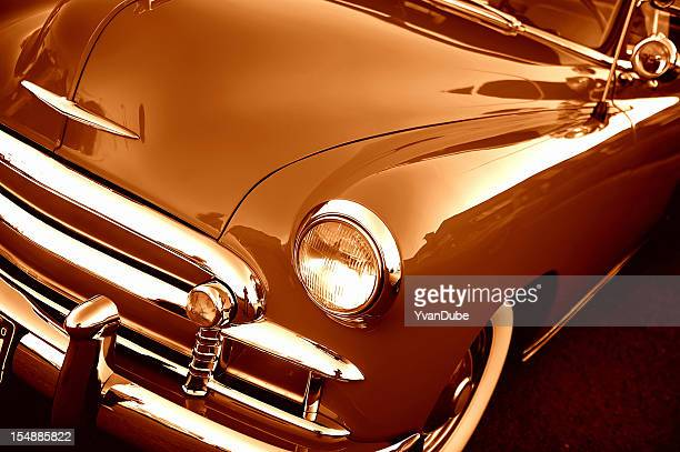 detail close-up on retro car - hood ornament stock pictures, royalty-free photos & images