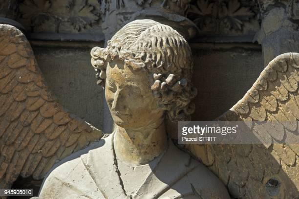 Detail de l Ange au Sourire