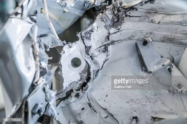 detail of a damaged car - destruição imagens e fotografias de stock