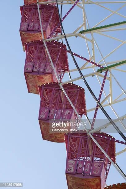 detail of a ferris wheel - gondel stock-fotos und bilder