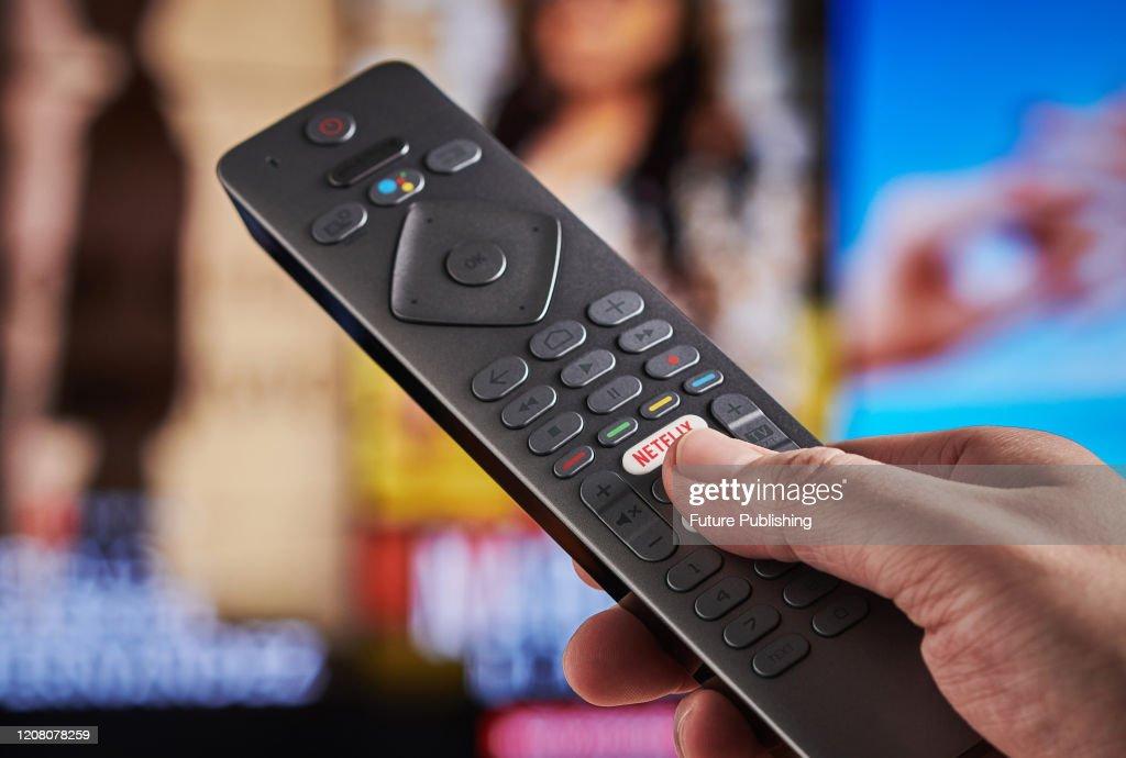 Watching Netflix On Television : ニュース写真