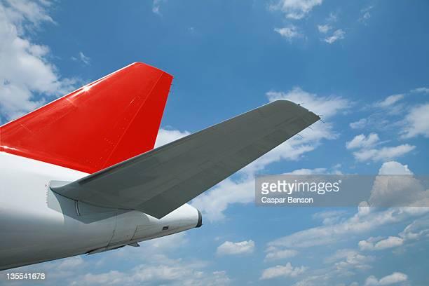 detail of an airplane - flugzeugheck stock-fotos und bilder