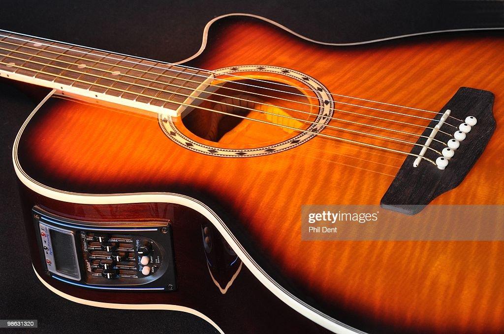 Electro Acoustic Guitar : Nieuwsfoto's