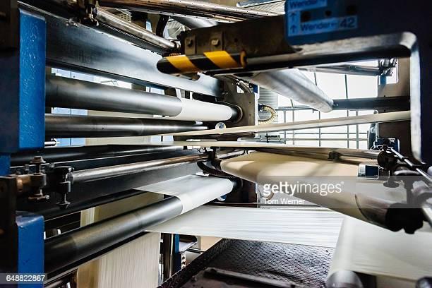 detail of an industry printing machine - maschinenteil hergestellter gegenstand stock-fotos und bilder