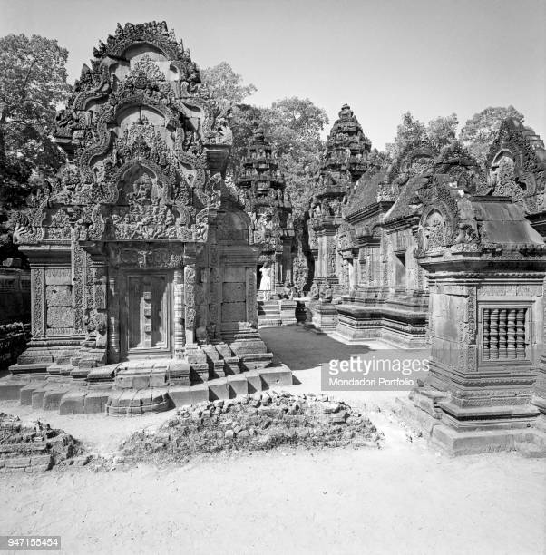 Detail of Banteay Srei, an Hindu temple built in the 10th century in Khmer style. Angkor, 1960s