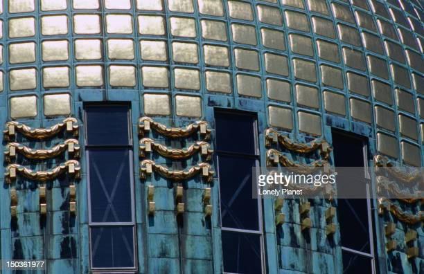 detail of dome of kirche am steinhof, church designed by otto wagner, penzing. - kirche - fotografias e filmes do acervo