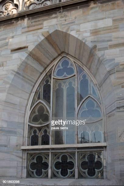 detail of dome window - duomo di milano foto e immagini stock