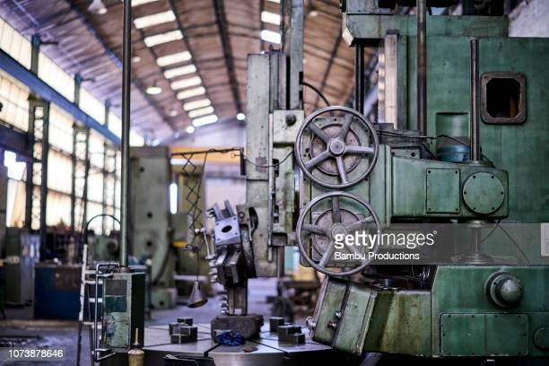 detail of machine inside an old mechanical engineering industry - dismantling stock pictures, royalty-free photos & images