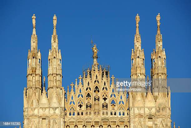 detail of pinnacles of the cathedral of milan - massimo pizzotti foto e immagini stock