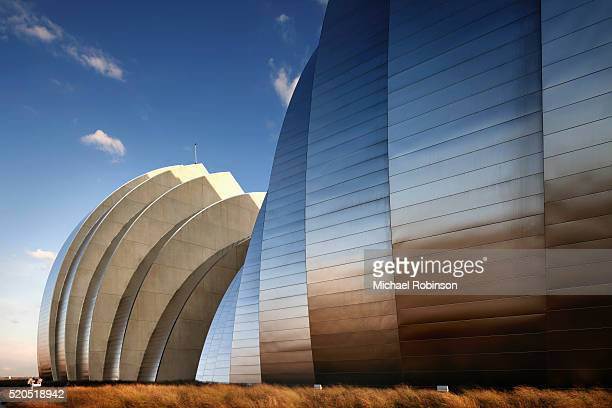 detail of shells at the kauffman center for the performing arts - performing arts center stock pictures, royalty-free photos & images