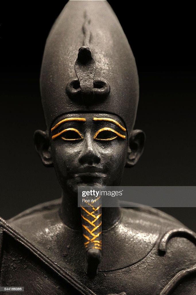 Detail of statuette of Osiris sitting : News Photo