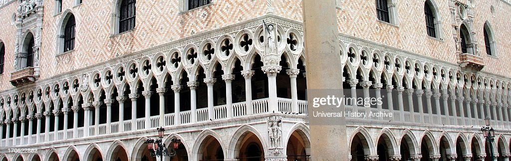 Detail Of The Doge S Palace Courtyard Venice Built In Venetian