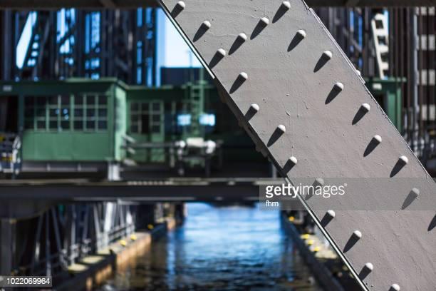 detail of the niederfinow boat lift (brandenburg state, germany) - elevator bridge stockfoto's en -beelden