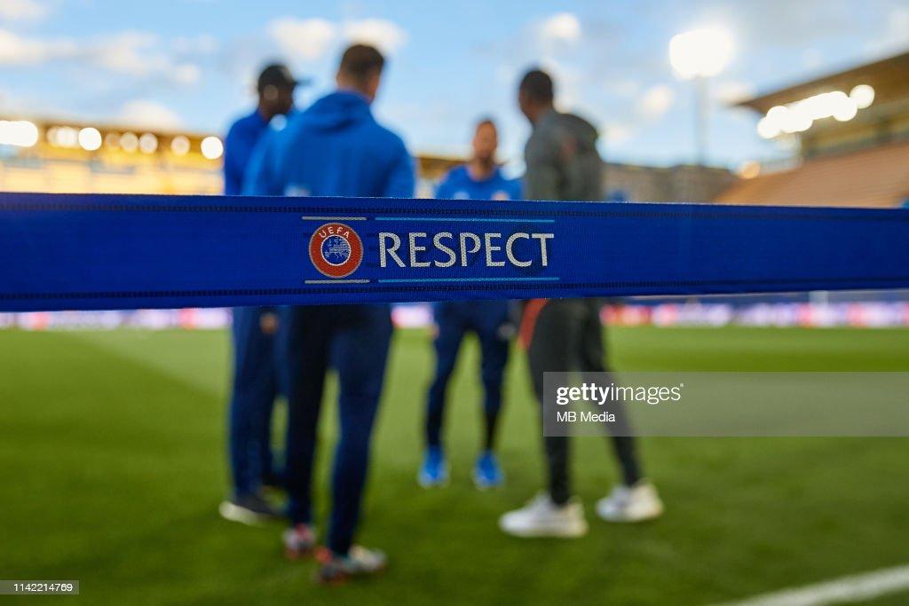Villarreal v Valencia - UEFA Europa League Quarter Final : First Leg : News Photo
