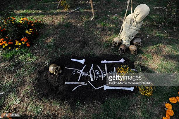 A detail of tomb during the Day of the Dead celebration known in spanish as Dia de los Muertos on November 01 2016 in Xochimilco Mexico The threeday...